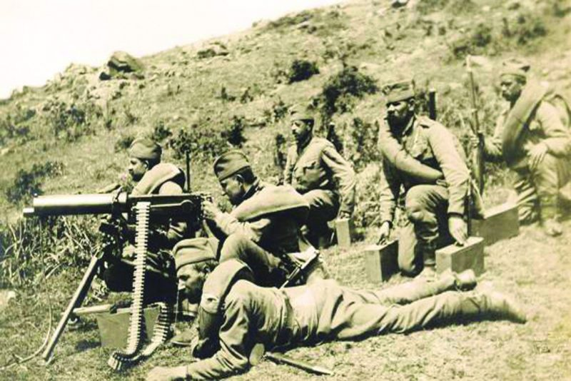 "Српски војници с ""максимом"" на Солунском фронту"