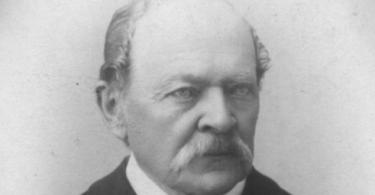 Dr Aćim Medović