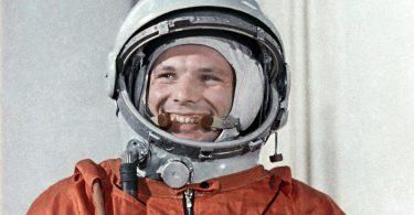 Јуриј Гагарин (Википедија)