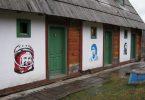Графити Гагарина, Марадоне и Кастра у Дрвенграду (Википедија)
