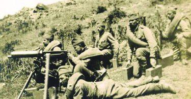 """Srpski vojnici s """"maksimom"""" na Solunskom frontu"""