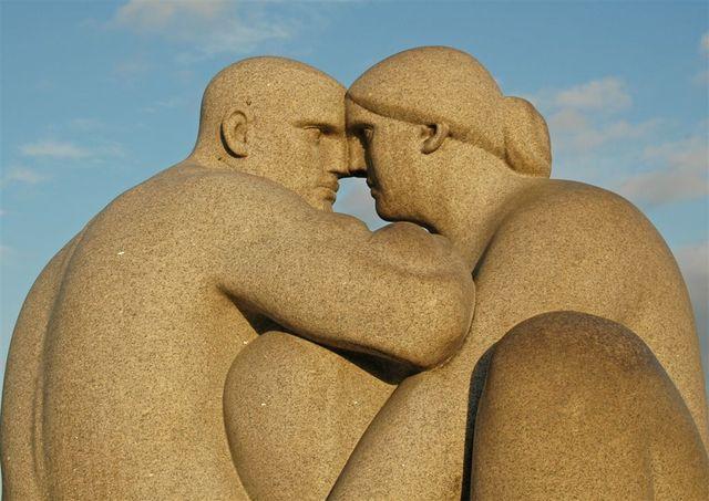 Мушкарац и жена (Густав Вигеланд)