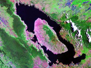 Jezero Toba u kalderi supervulkana (NASA)