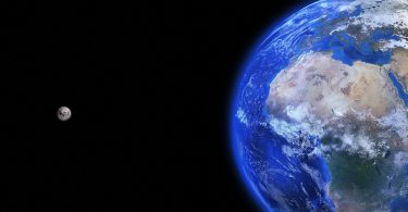 Mesec i Zemlja (Piksabej)